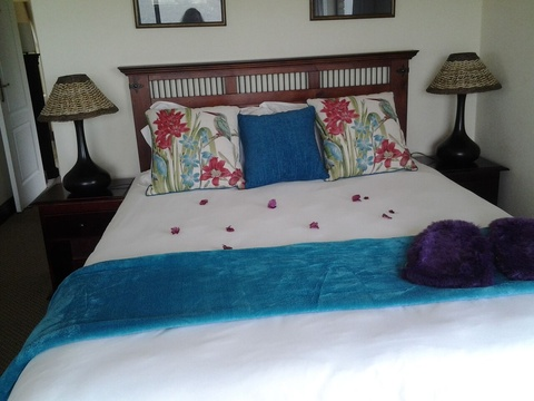 Suite 4, Hamilton Manor - a close up of the queen size XL bed
